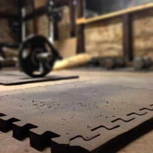 basement-mat-weights-bg